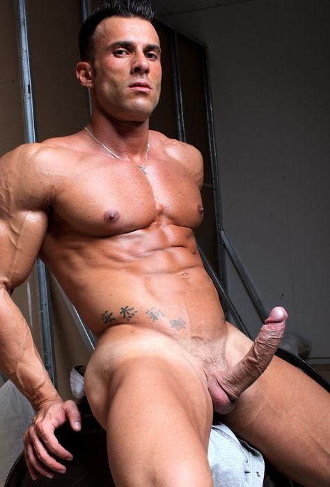 Homens Musculosos Nus