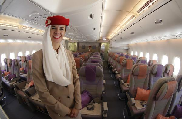 The Hopeful Traveler: Emirates A380: Economy Class | 600 x 392 jpeg 34kB