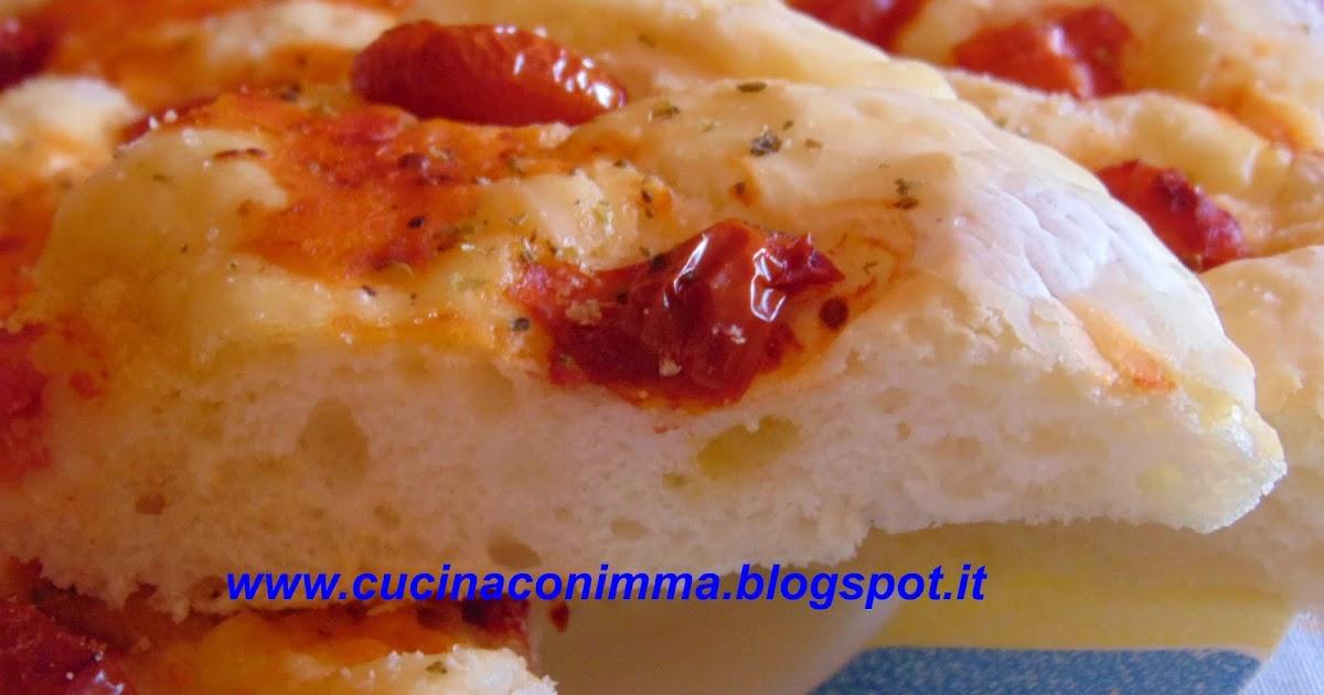 Cucina con imma focaccia di nino versione gluten free for Enormi isole di cucina