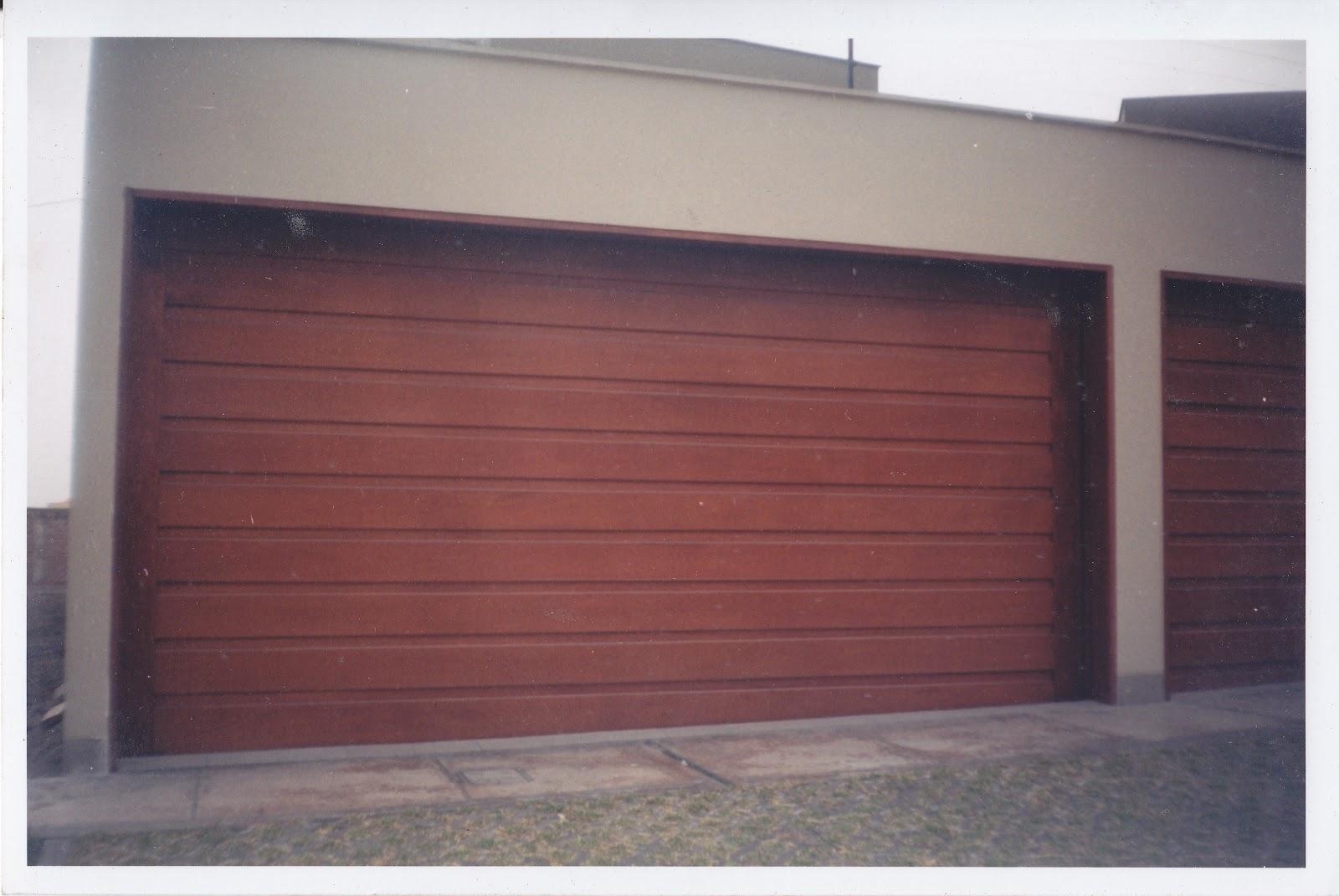 Puertas de madera puertas madera for Puertas de garaje de madera