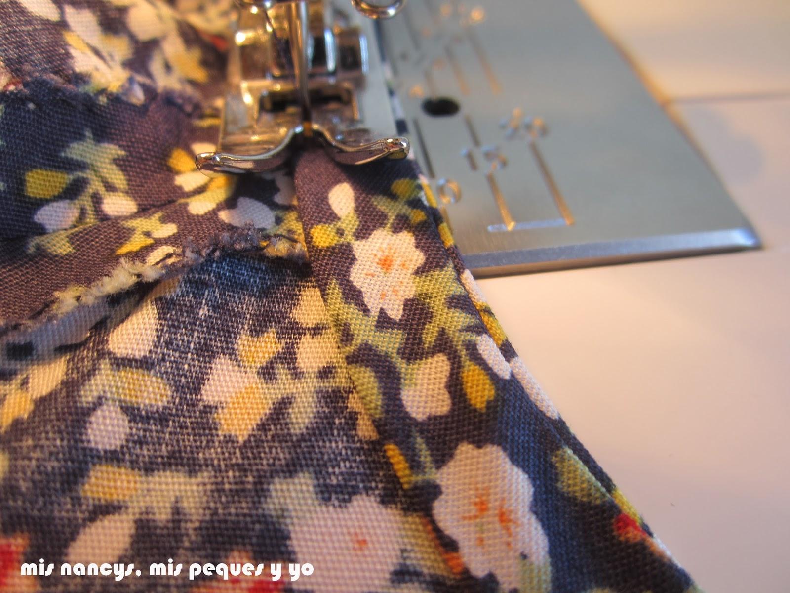 mis nancys, mis peques y yo, tutorial blusa sin mangas niña (patrón gratis), coser bies cuello al filo