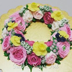 Personal Buttercream Floral Wreath Class
