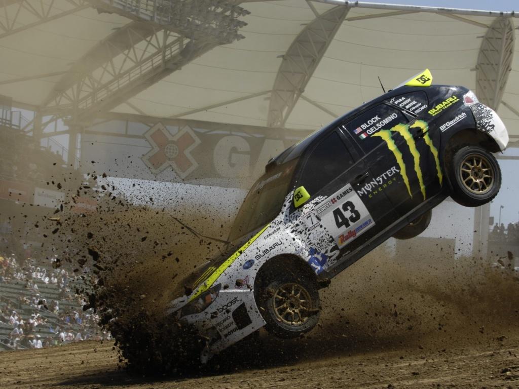 Car Racing - Accident || Top Wallpapers Download .blogspot.com