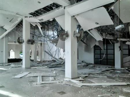 Gempar! Siling Masjid Bukit Tunggal Terengganu Runtuh (6 Foto)