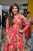 anjali latest glamorous photo gallery-thumbnail-1