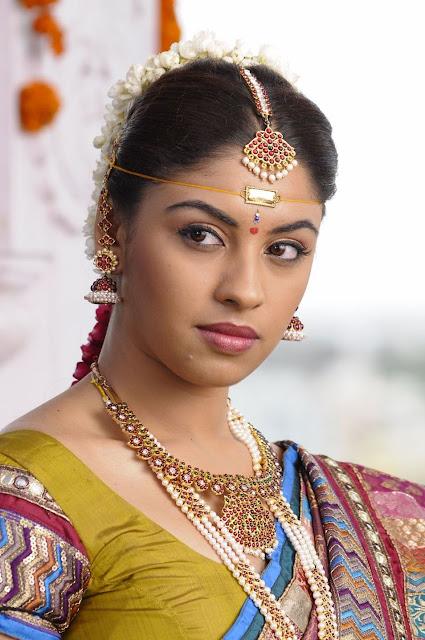 actress richa gangopadhyay in hot saree bridal makeup stills actress