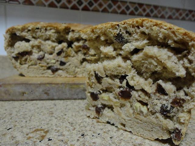 Pan de nueces, pasas y canela