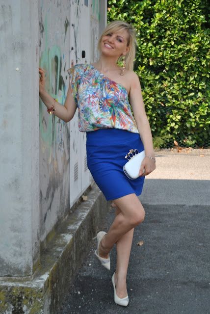 outfit gonna blu outfit blu gonna blu elettrico come abbinare il blu abbinamenti blu abbinamenti blu elettrico mariafelicia magno fashion blogger colorblock by felym outfit estivi outfit estate 2015 outfit 27 luglio 2015 outfit  luglio outfit eleganti donna outfit estivi donna summer outfits how to wear blue how to combine blu blue skirt fashion blog italiani fashion blogger italiane blogger italiane di moda tacchi e gonna come abbinare tacchi e gonna décolleté e mini gonna outfit décolleté e mini gonna skirt and heels skirt and décolleté