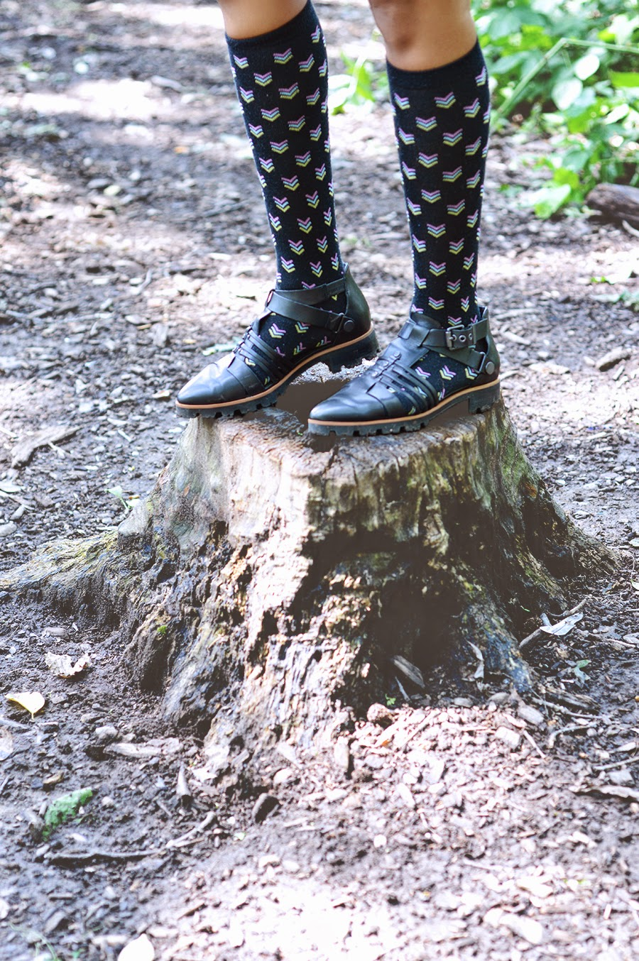 Indie fashion blogger Anais Alexandre of Down to Stars rocks luxury rebel sandals on her outdoor nature adventure