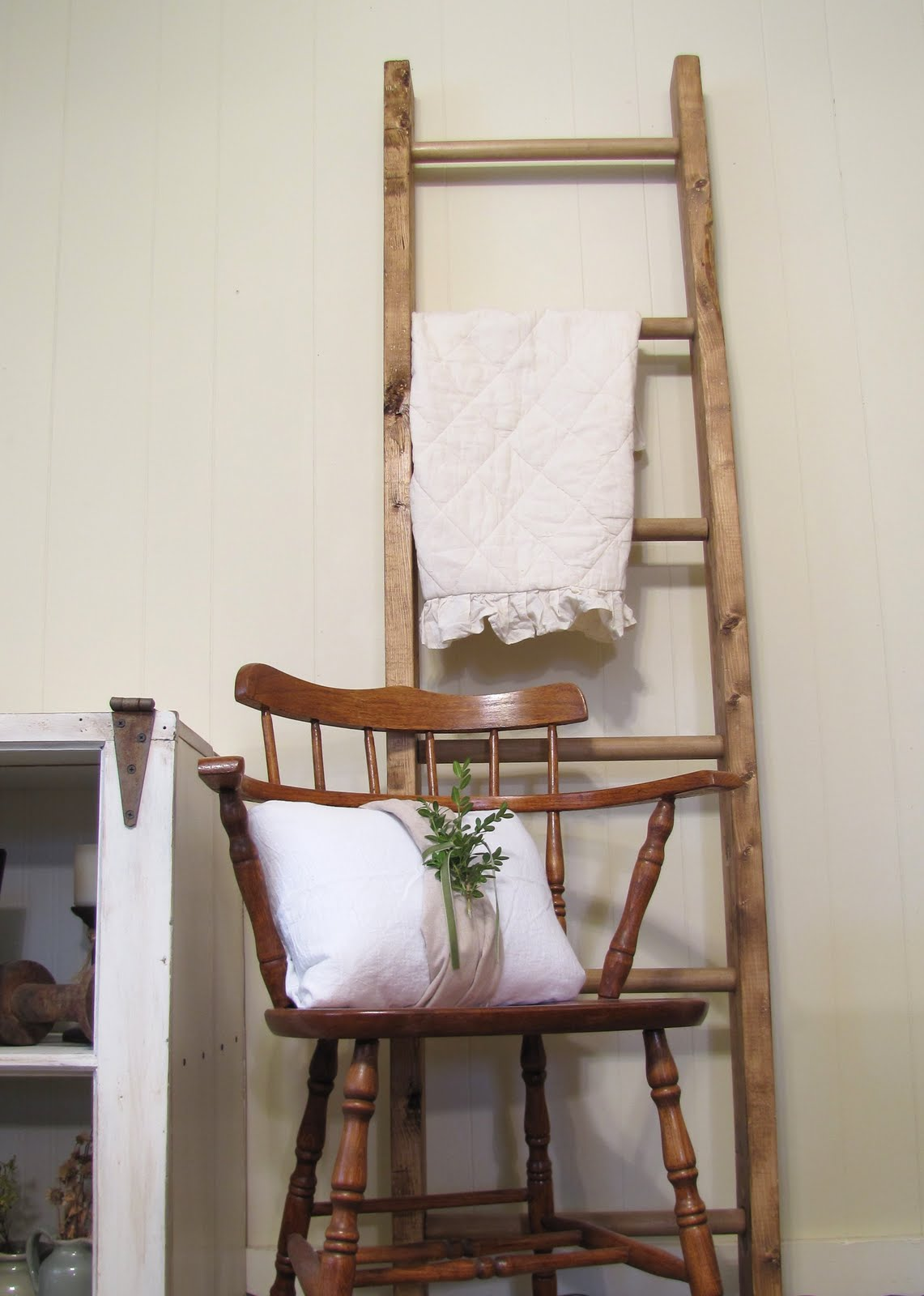 Summerstead  Decorative Ladder   a tutorial