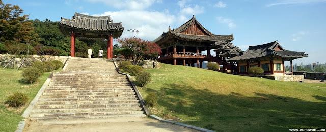 Pabellón Yeongnamnu en Miryang