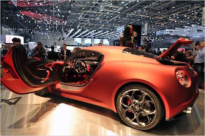 Alfa-Romeo-4C-Concept-Live-2012-car-4