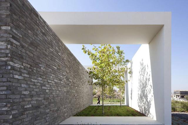 05Gindi-Holdings-Sales-Center-by-Pitsou-Kedem-Architects