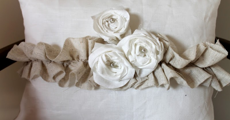 Woven Home: Roses and Ruffles: Pillow Tutorial