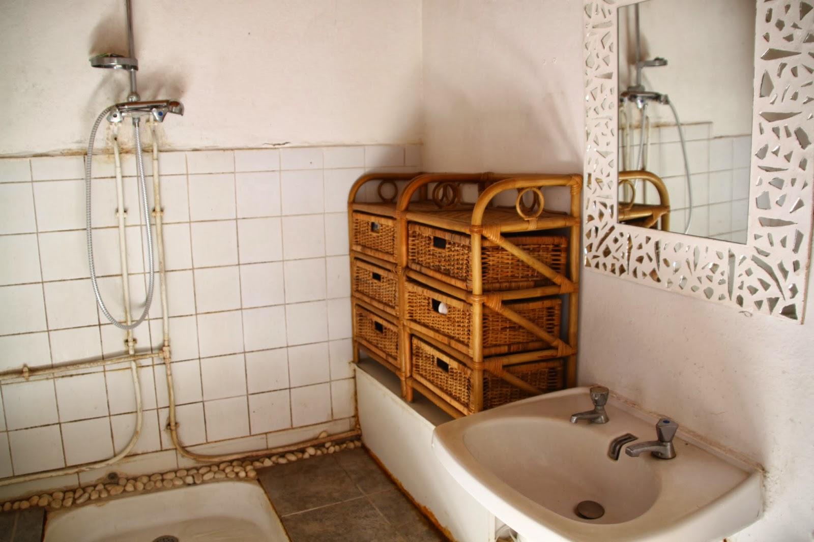 Destruction salle de bain a fait du bien for Salle de bain translation