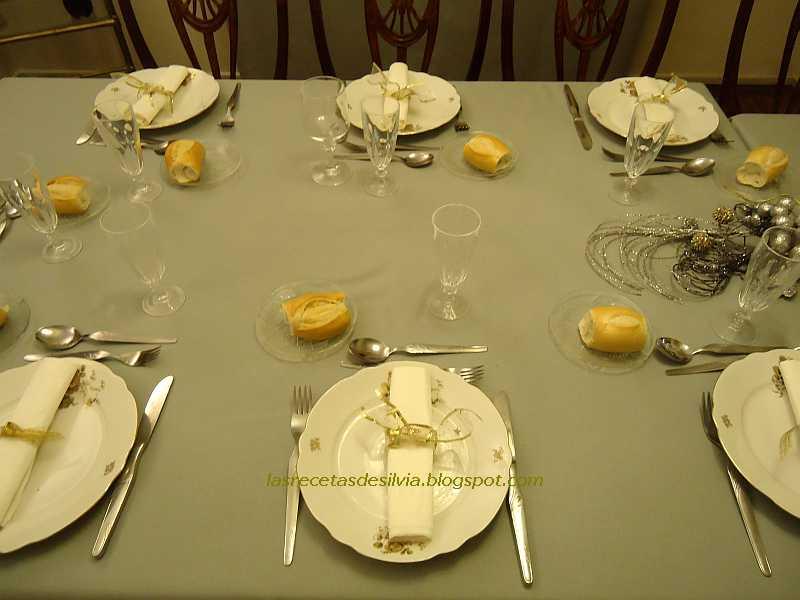 Las recetas de silvia la mesa navide a y las mesas de fin for Mesa de fin de ano