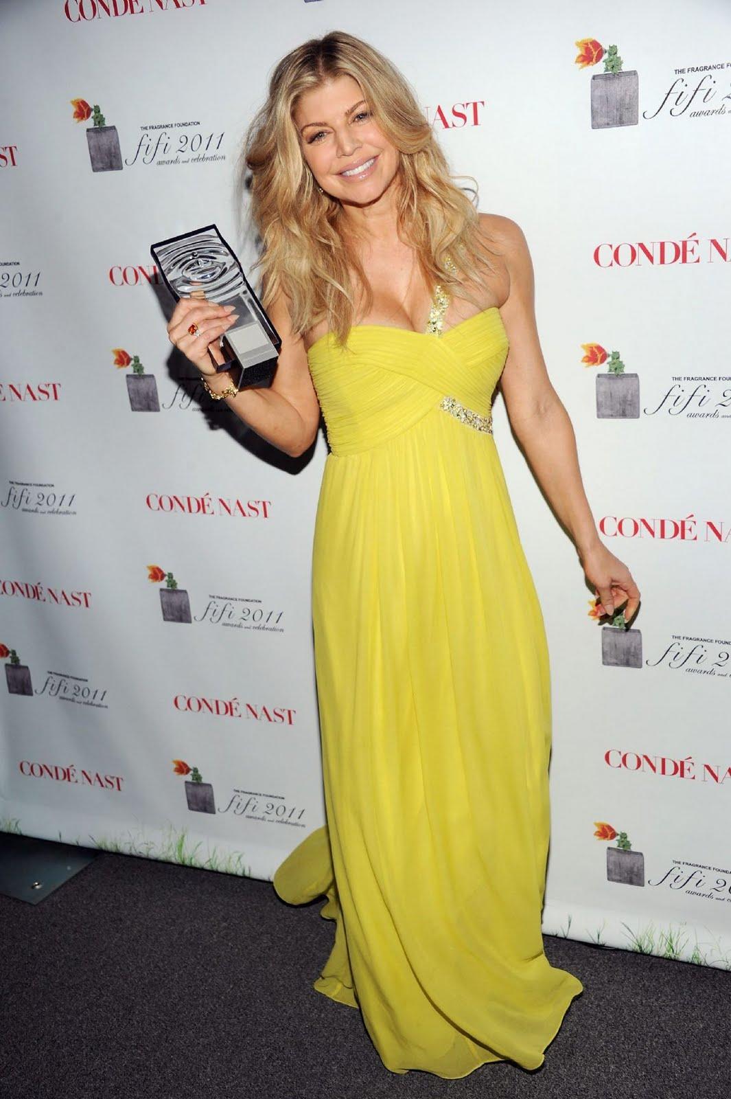 http://4.bp.blogspot.com/-PLGHg_ujE_8/TepN75DVZXI/AAAAAAAAKjQ/ApS-6L4asj4/s1600/fergie-honored-2011-fifi-awards-ceremony+%25282%2529.jpg