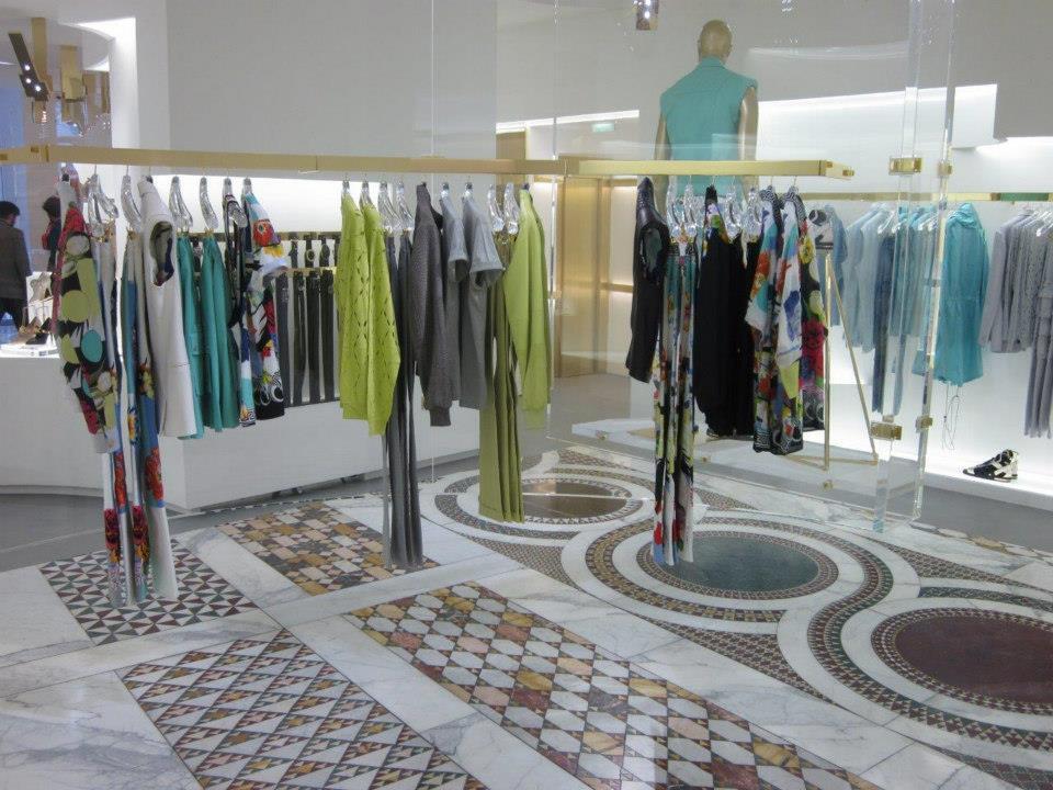 The Style Examiner Versace Avenue Montaigne Boutique In Paris