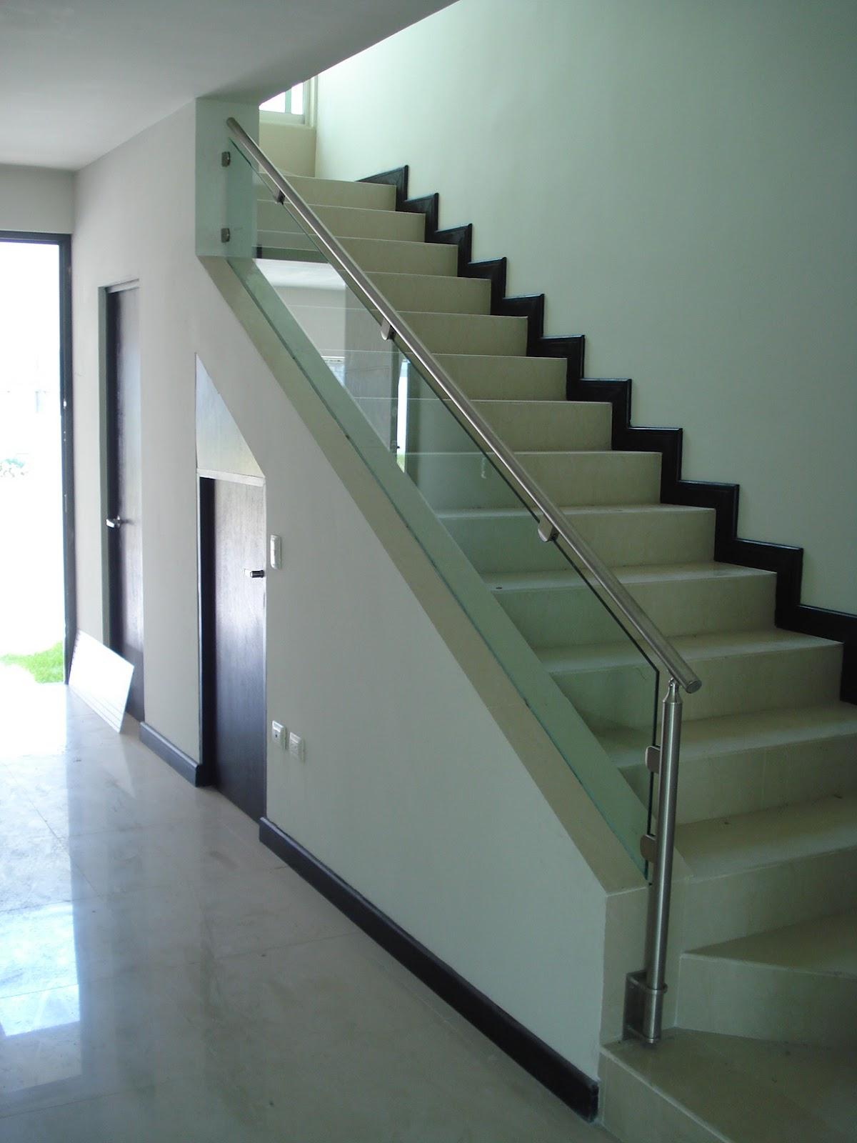 Suvire barandales para todos los estilos for Ver escaleras de interior