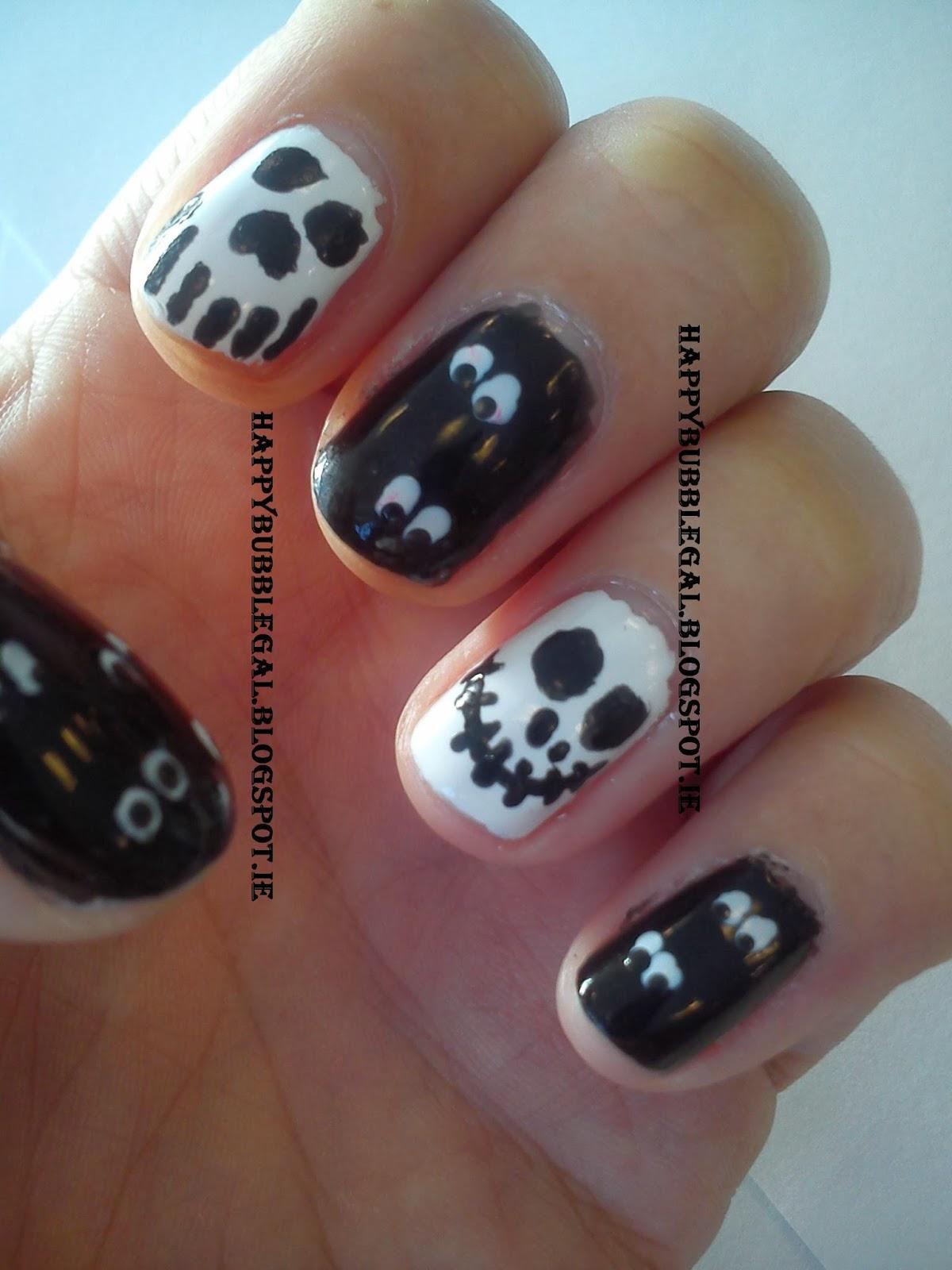 Happy bubble gal halloween nail art - Nail art halloween ...