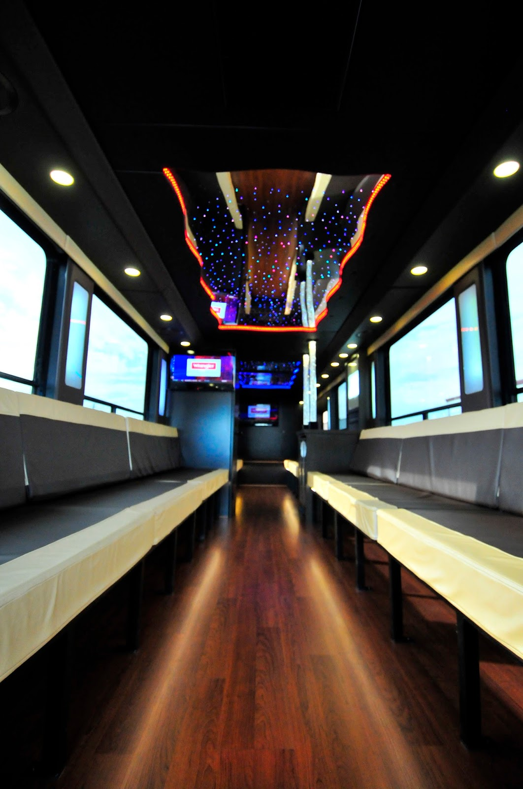 Http sherry c fanning blogspot com 2013 11 eugene party bus is ultimate tour bus html