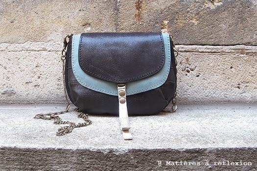 Petit sac cuir bleu céladon et noir : le piccolo