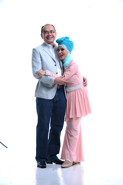 Online entrepreneur Adibah Karimah and dr hasbi harun photoshoot by Hafiz Atan