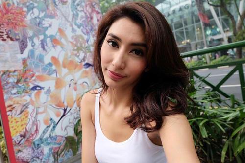 Foto Hot, Seksi, Vulgar, Sampai Telanjang Tyas Mirasih