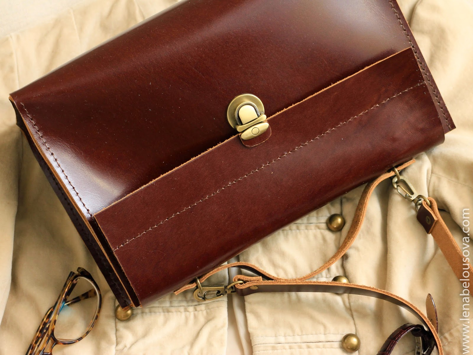 кожаный саквояж коричневый