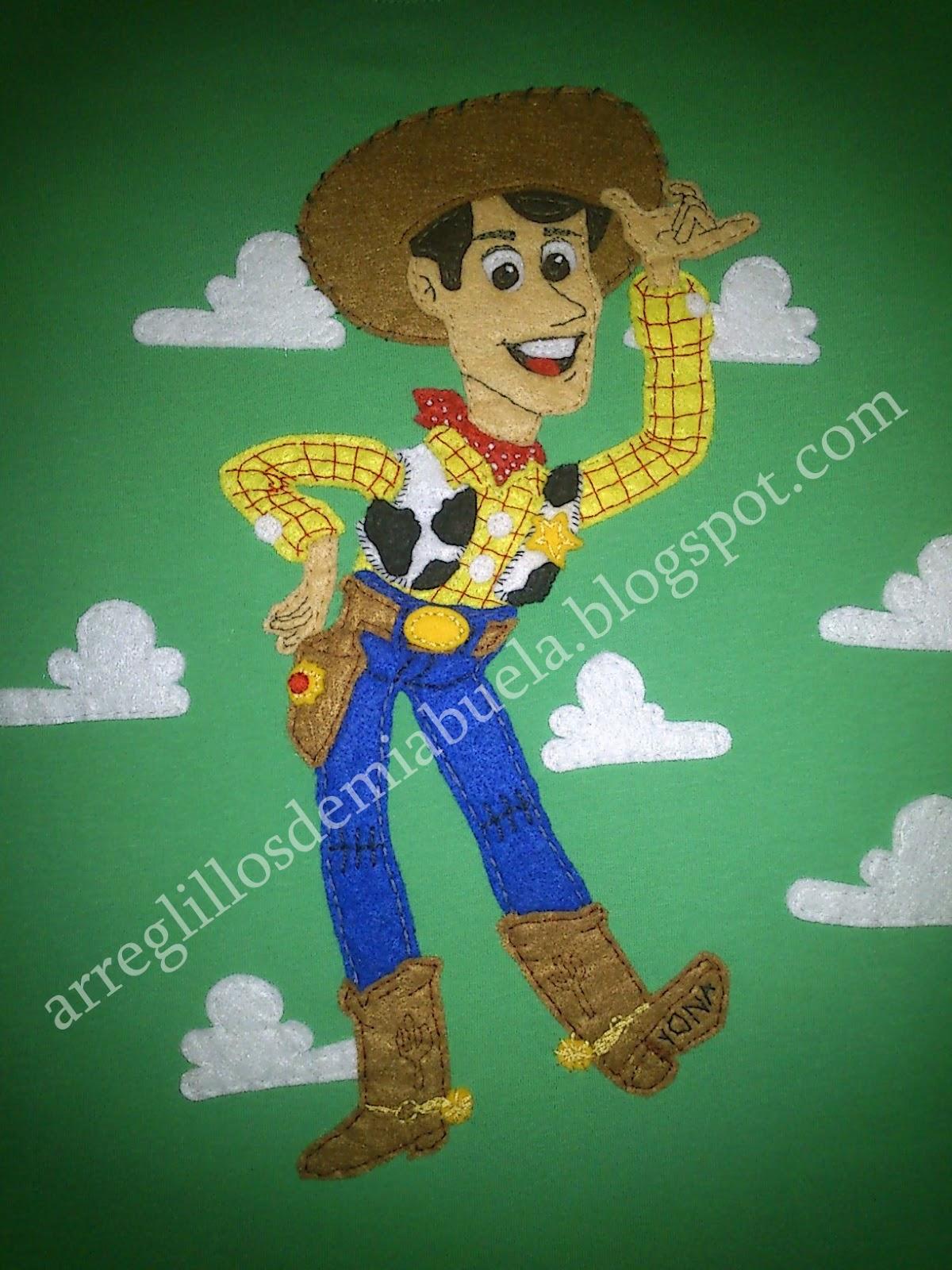 Camiseta Woody de Toy Story para Néstor  43d1100f939