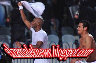 فيديو-جماهير الإسماعيلي تهتف لشيكابالا واللاعب يرد بالتحية ويشعمل شمروخ