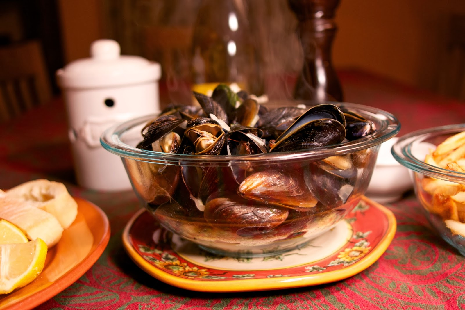 Steamed Mussels: Simple Living and Eating
