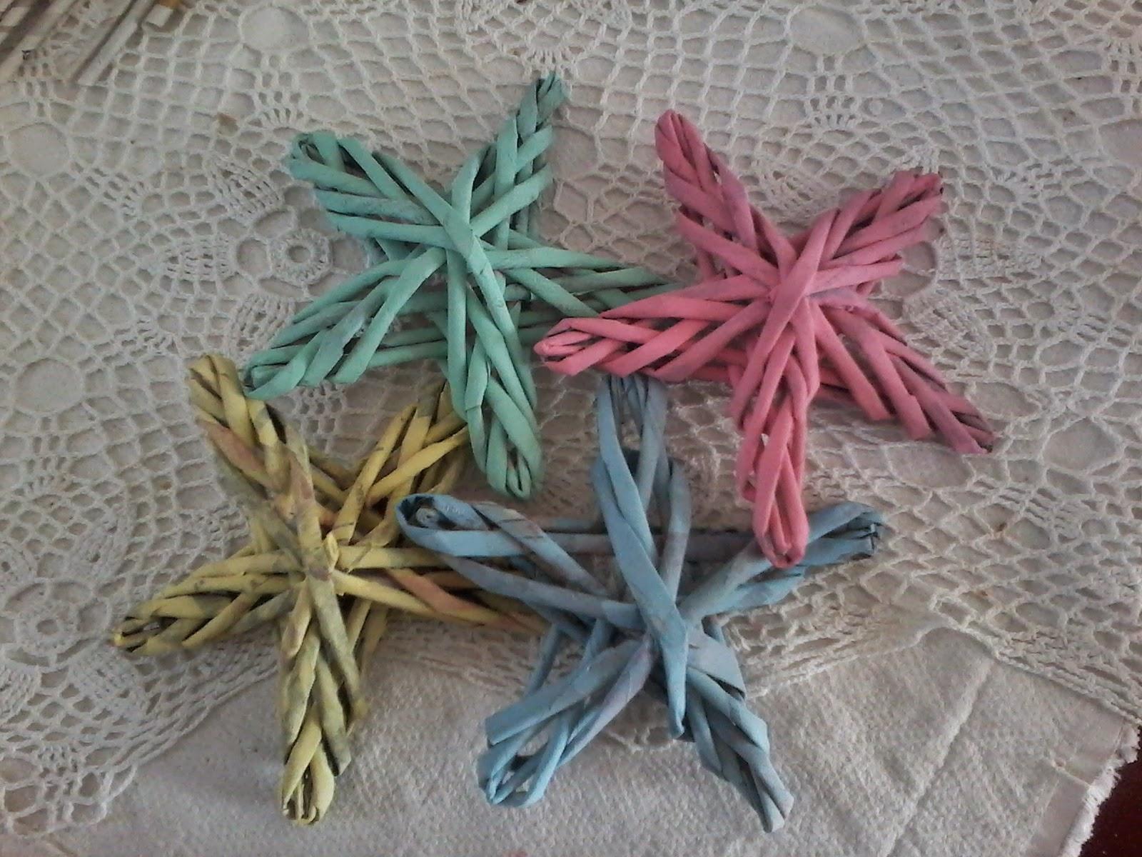 Cositis estrellas tejidas con papel decorado sabby - Papel decorado manualidades ...