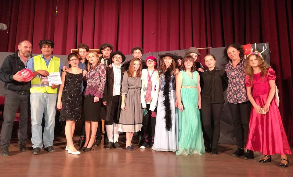 Trupa de teatru GaudimArt de la Liceul Miron Cristea-Subcetate- 2018