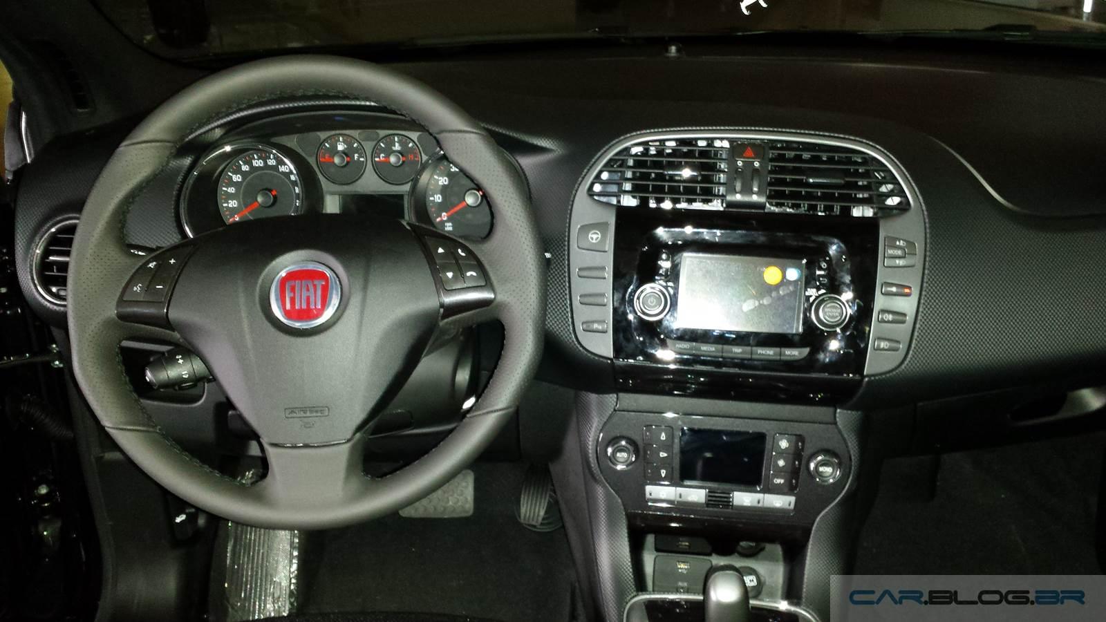 Fiat Bravo Sporting 2016 Preto Vesúvio Dualogic - painel