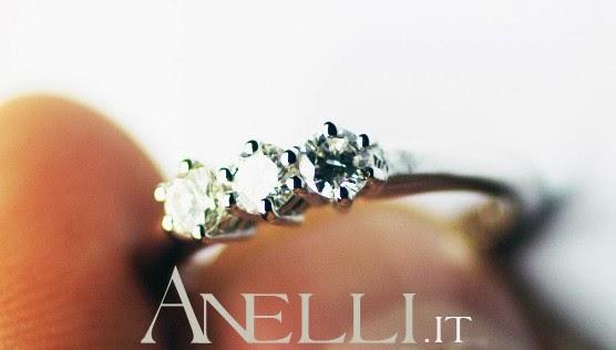 Anello Trilogy 0,30 Carati