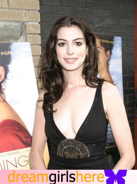 Anne Hathaway American Preety Host Anne+Hathaway-+8