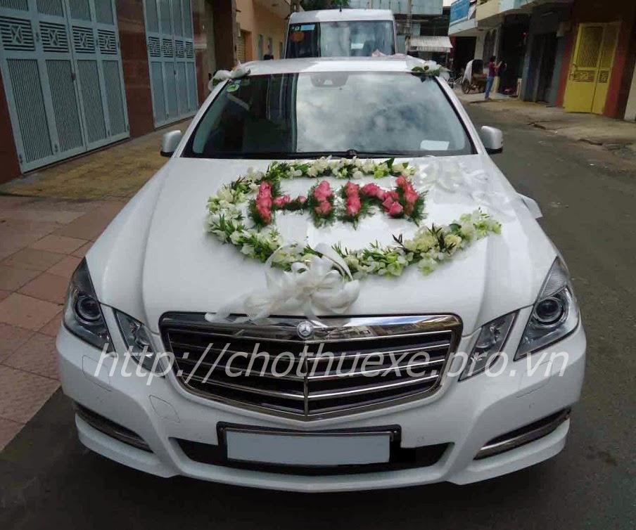 Cho thuê xe Mercedes C250 - xe cưới màu trắng - xe hạng sang