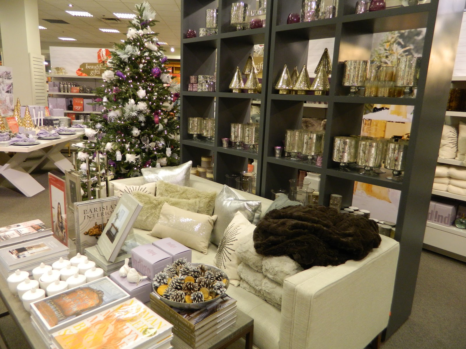 Chapters Indigo Bookstore On Bay St Toronto Went All Out This Year By Decoration Their Store With Numerous Christmas Trees I Thank Them For Allowing Me To