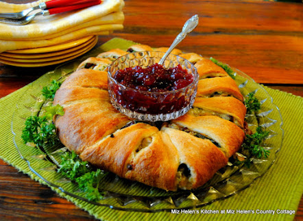 Cranberry Turkey Ring