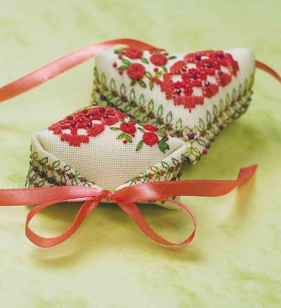 """и дорожкой  """"Бордо """".  А вот 1 (04) январь - февраль порадует Вас сердечком -пендибуль  """"Валентинов день """" ."""