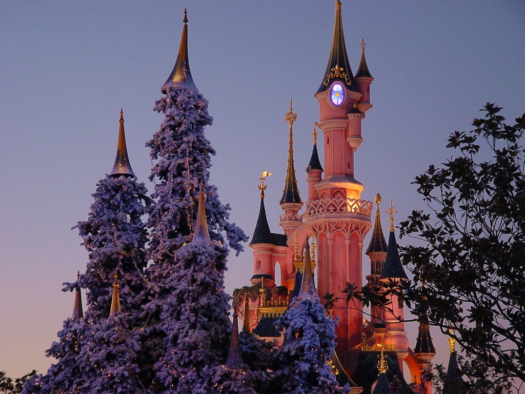 Irbob sevenfold disney castle in christmas wallpaper disney castle in christmas wallpaper voltagebd