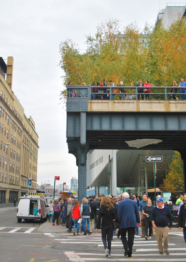 Walking the High Line in New York City | EmBusyLiving.com