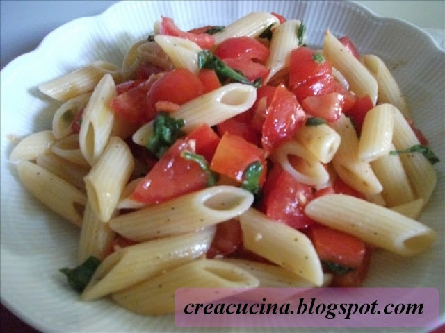 pasta fredda pomodoro e basilico