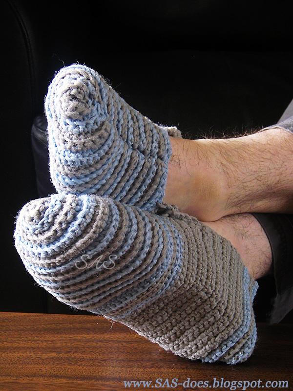 Free Crochet Phentex Slipper Pattern : Slippers SAS does ...: Slippers