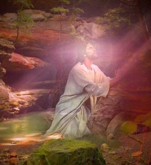Resultado de imagen de imagenes de Jesus Orando en la montaña