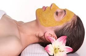 chăm sóc da từ mặt nạ bột nghệ
