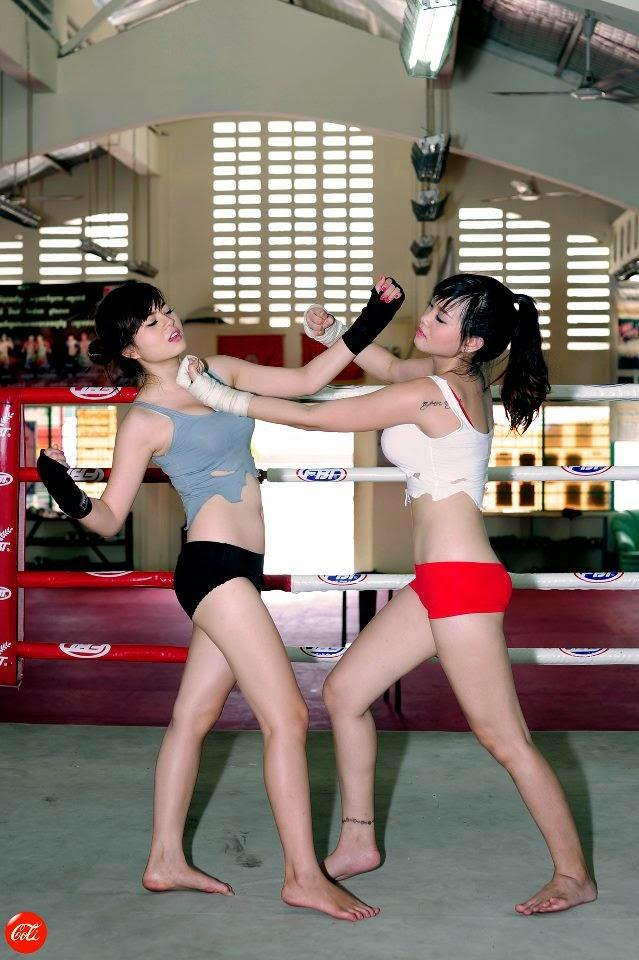 Khi phái đẹp đấu boxing 17