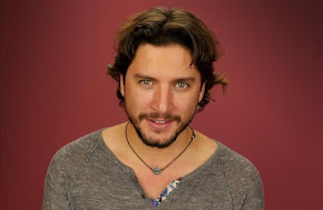 Manuel Carrasco Gutierrez (Cantante)