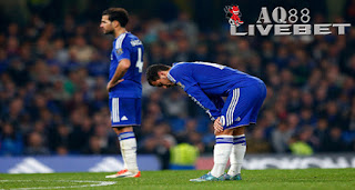 Agen Piala Eropa - Chelsea tampil lesu saat menghadapi Southampton di Stamford Bridge. Lini belakang yang keropos serta minimnya kreasi dari tengah membuat Chelsea takluk 1-3 dari Southampton.